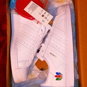 Adidas Superstar / sz M-6/W-7.5